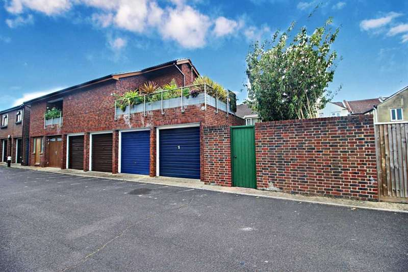 2 Bedrooms Apartment Flat for sale in Nancy Road, Portsmouth, Hampshire, PO1