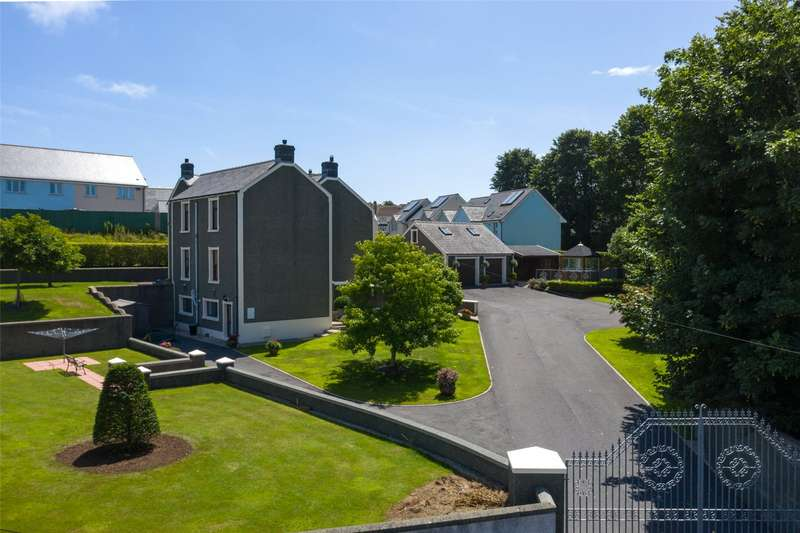4 Bedrooms Detached House for sale in The Old Rectory, Hubberston, Milford Haven, Pembrokeshire