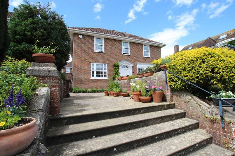 3 Bedrooms Detached House for sale in Beristede Close, Eastbourne, BN20 7EQ