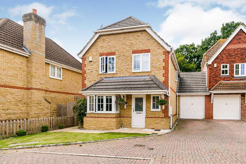 4 Bedrooms Link Detached House for sale in Holly Gardens, Bexleyheath, DA7