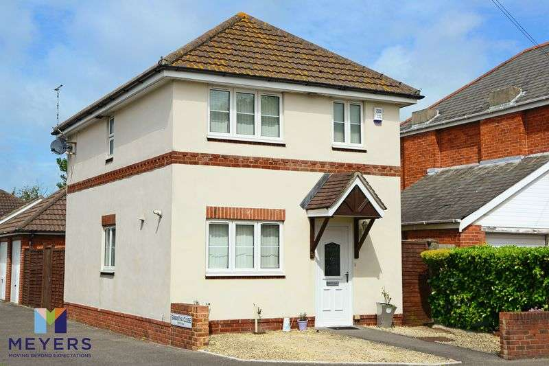 3 Bedrooms Property for sale in Coombe Avenue, Redhill, BH10