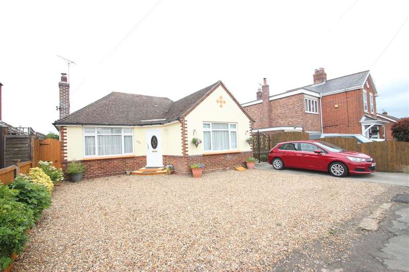 2 Bedrooms Bungalow for sale in The Street, Little Clacton