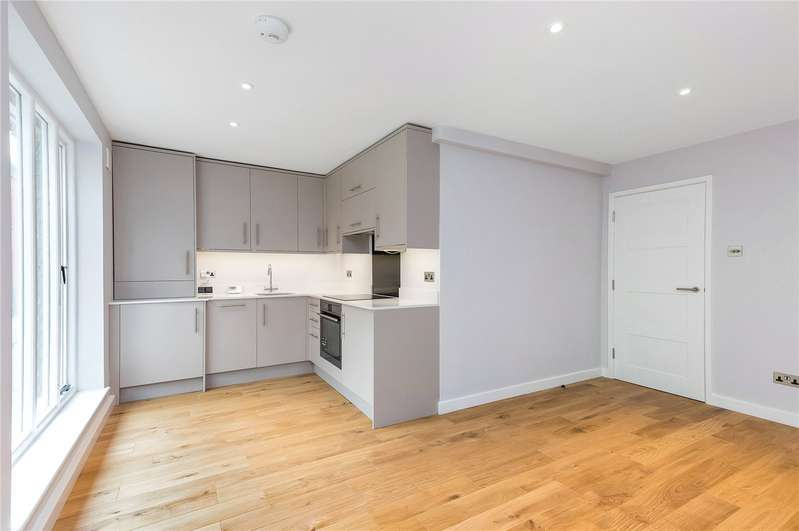 2 Bedrooms Flat for rent in St. Clement Street, Winchester, Hampshire, SO23