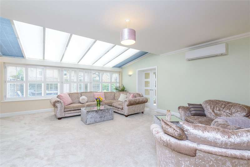 5 Bedrooms Semi Detached House for sale in Magazine Mews, Shoebury Garrison, Essex, SS3