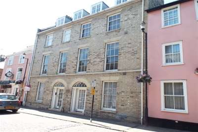 2 Bedrooms Flat for rent in Whiting Street, Bury St Edmunds, IP33 1NX