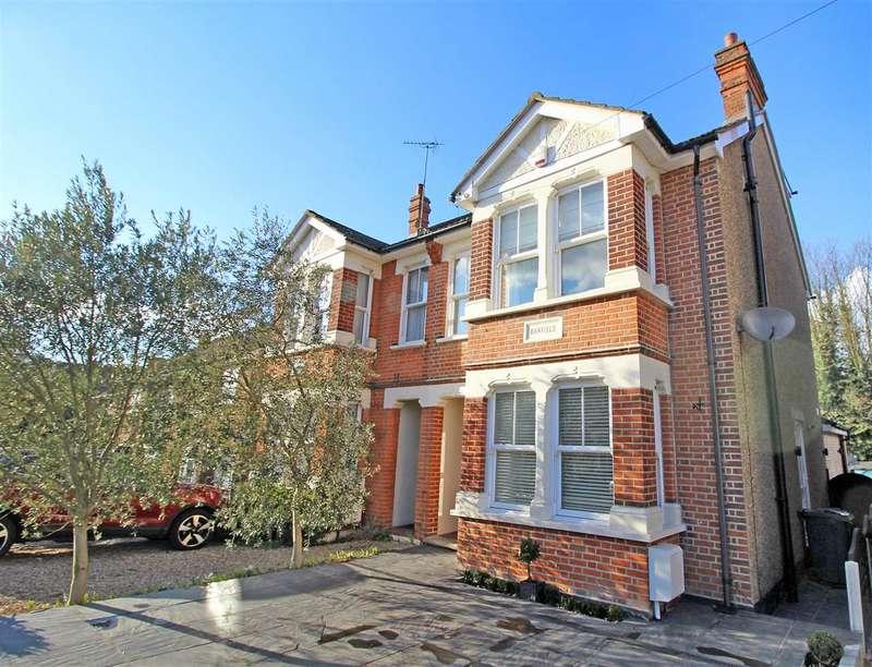 4 Bedrooms House for sale in Woodman Road, Warley