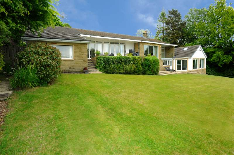 4 Bedrooms Detached Bungalow for sale in Windle Royd Lane, Halifax, West Yorkshire