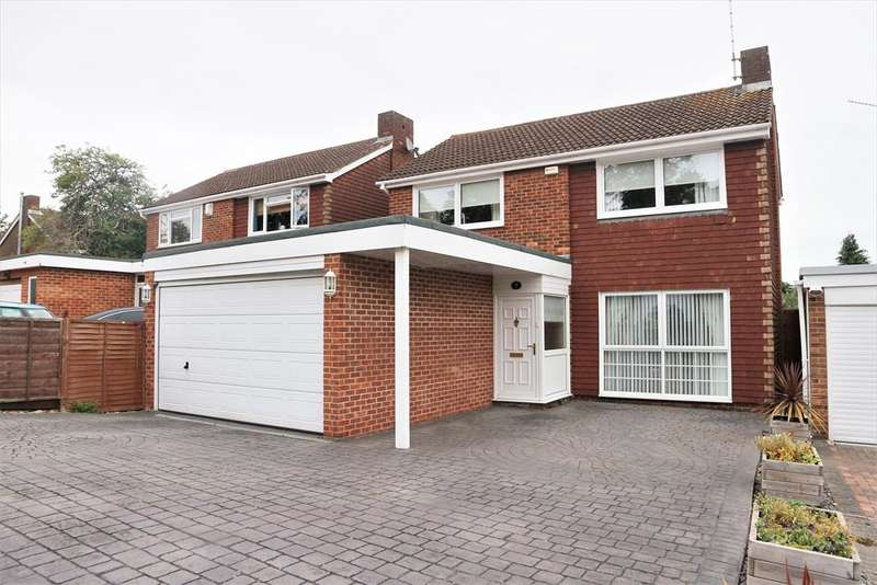 4 Bedrooms Detached House for sale in Grovebury Close, Erith, Kent, DA8 3DJ