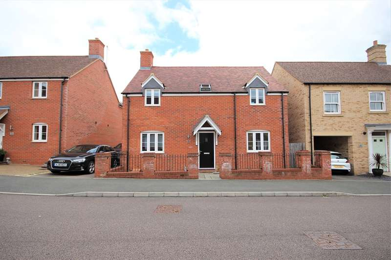 4 Bedrooms Detached House for sale in Wagstaff Way, Ampthill, Bedfordshire, MK45
