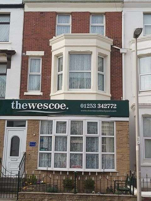 11 Bedrooms Hotel Gust House for sale in Wescoe Guest House, 14 Dean Street, Blackpool, FY4 1AU