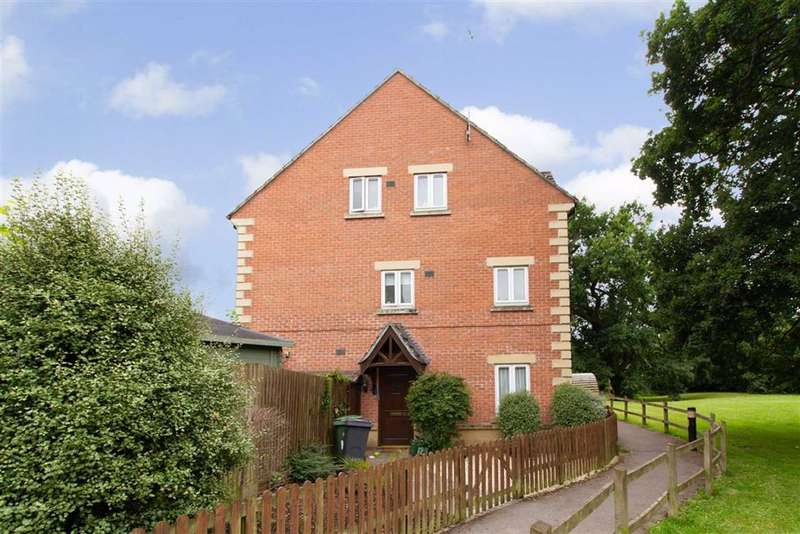 4 Bedrooms Terraced House for sale in Court View, Stonehouse, GL10
