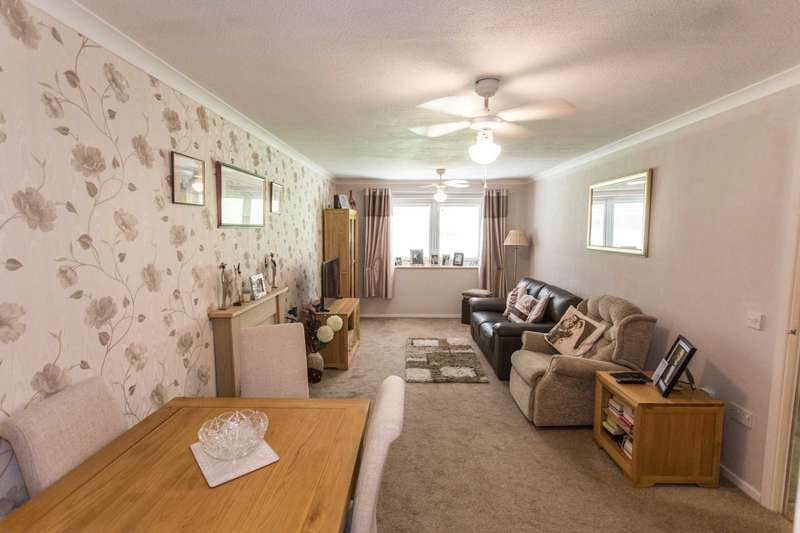 1 Bedroom Retirement Property for sale in Kingsdale Court, Chatham
