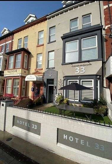 10 Bedrooms Hotel Gust House for sale in Dickson Road, Blackpool, FY1