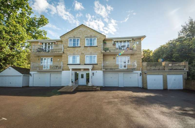 2 Bedrooms Flat for sale in School Road, Bursledon, Southampton, Hampshire. SO31 8JH