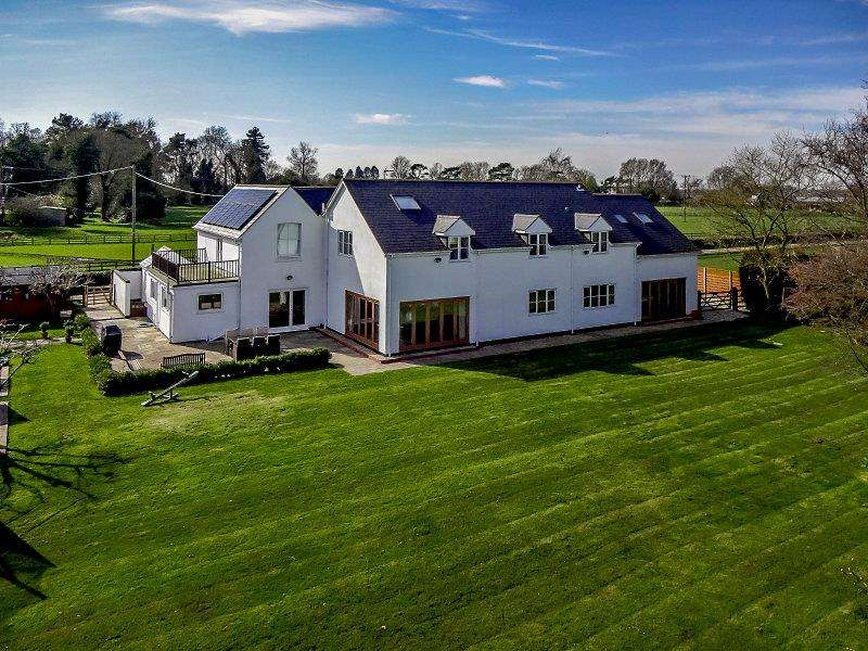 6 Bedrooms Detached House for sale in Clifton Upon Dunsmore, Rugby, Warwickshire