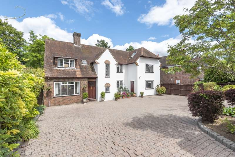 6 Bedrooms Detached House for sale in Manor Way, Guildford, GU2