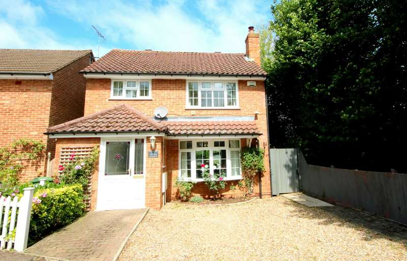 3 Bedrooms Detached House for sale in Austins Mead, Bovingdon