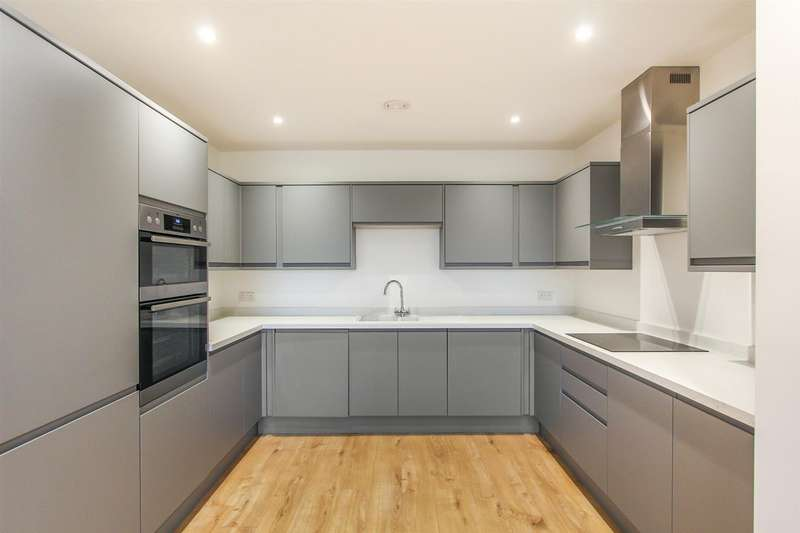 2 Bedrooms Apartment Flat for sale in Wraik Hill, Whitstable