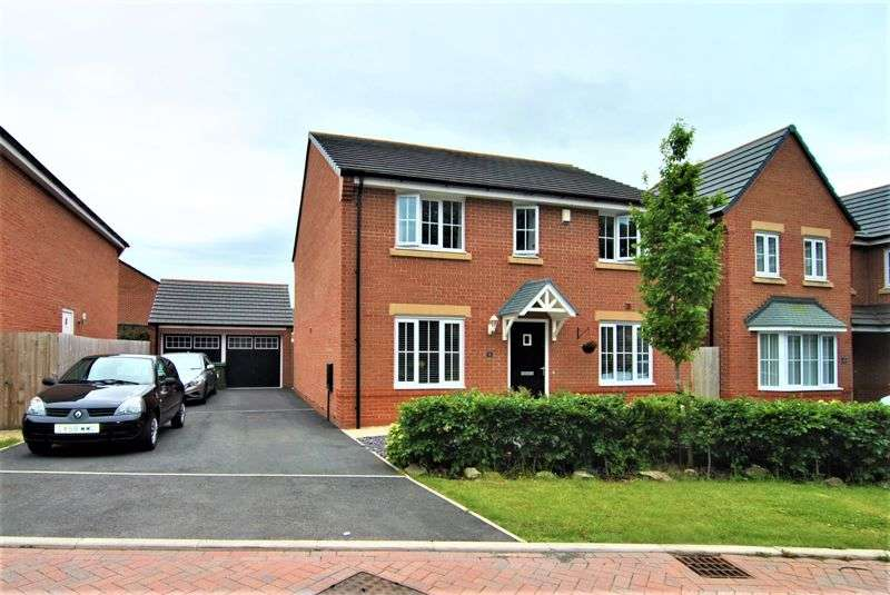 4 Bedrooms Property for sale in Charnwood Mews, Leyland