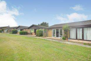 2 Bedrooms Bungalow for sale in Reach Road, St. Margarets-At-Cliffe, Dover, Kent