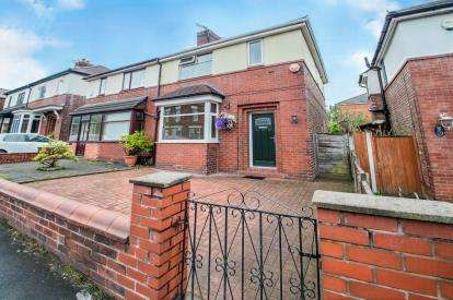 3 Bedrooms Semi Detached House for sale in Walkden Road, Worsley, Manchester, Greater Manchester