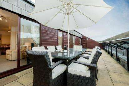 4 Bedrooms Flat for sale in Maenporth, Falmouth, Cornwall