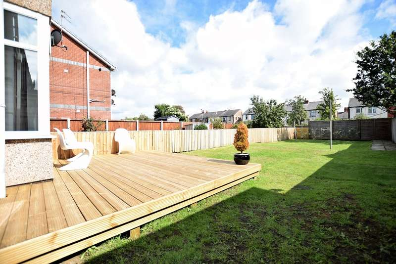 3 Bedrooms Semi Detached House for sale in Harcourt Road, Blackpool