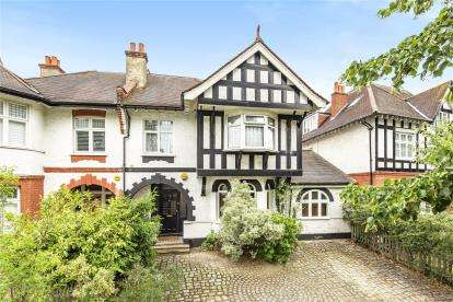 5 Bedrooms Semi Detached House for sale in Park Avenue, Bromley