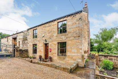 4 Bedrooms Detached House for sale in Greenhead Lane, Reedley, Burnley, Lancashire, BB12