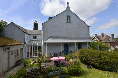 4 Bedrooms Semi Detached House for sale in Totnes, Devon