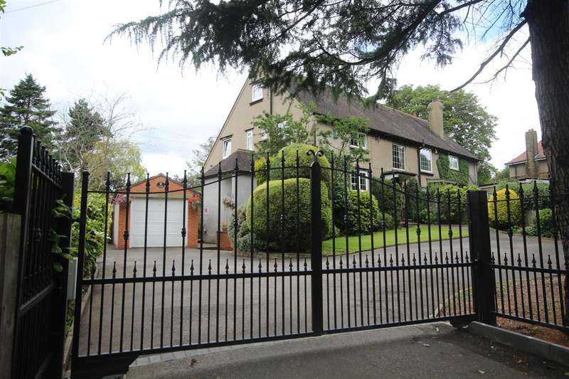 4 Bedrooms Semi Detached House for sale in Bradford Road, Chain Bar, Cleckheaton