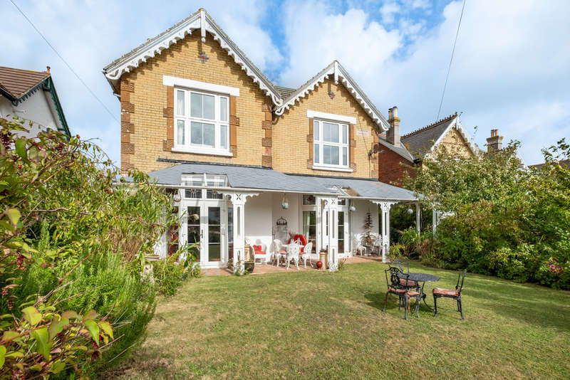 7 Bedrooms Detached House for sale in Freshwater Bay, Isle of Wight