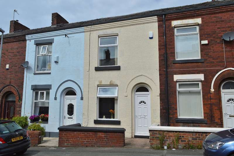 2 Bedrooms Terraced House for sale in Vine Street, Chadderton, Oldham, OL9 7PA