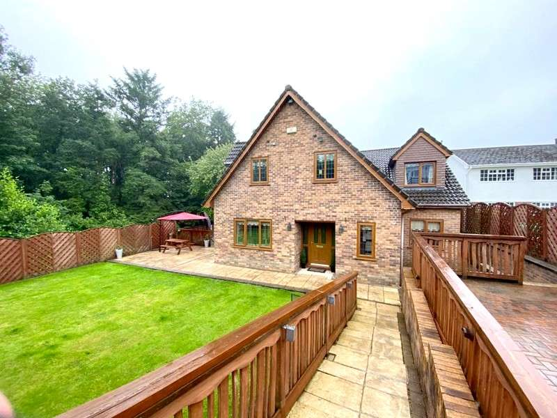 5 Bedrooms Detached House for sale in Furzeland Drive, Neath, Neath Port Talbot. SA10 7UF