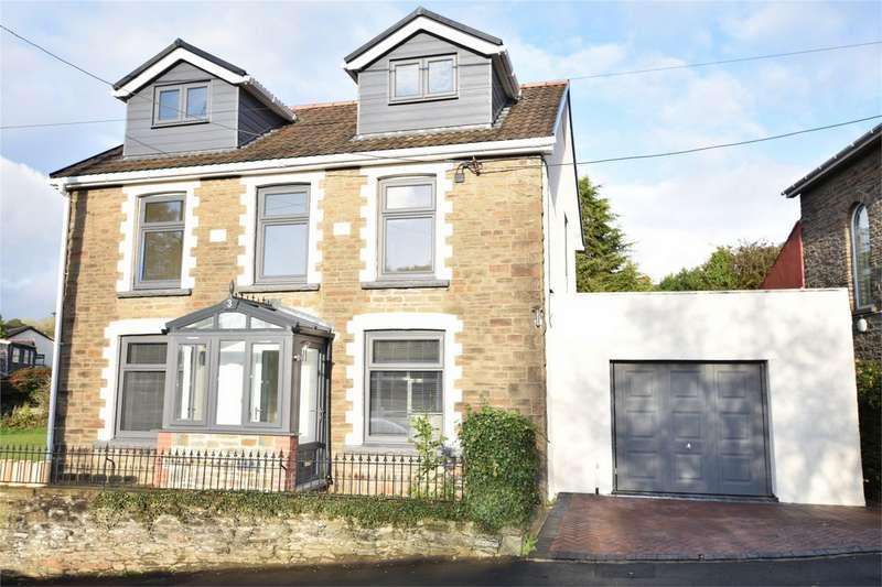 4 Bedrooms Detached House for sale in Gellihaf Road, Fleur de Lis Blackwood, Caerphilly