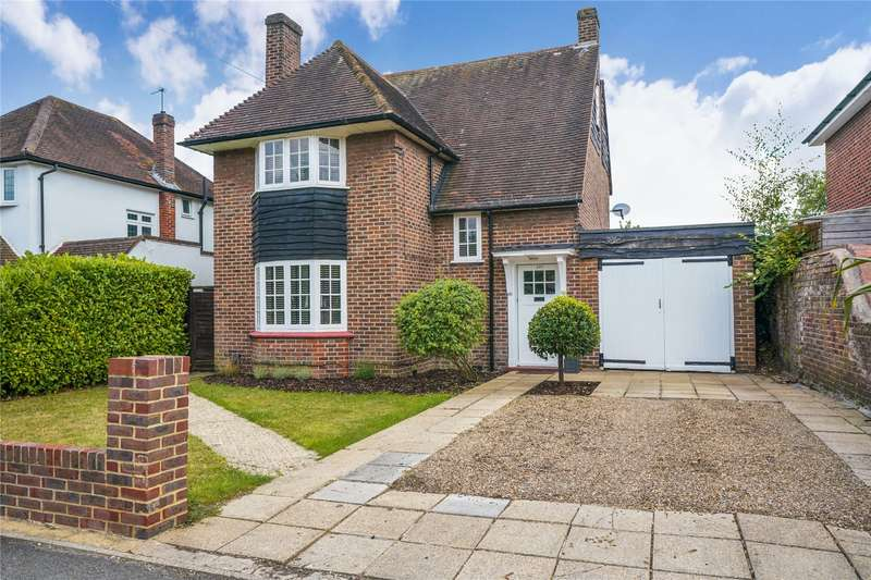3 Bedrooms Detached House for sale in Manor Road North, Thames Ditton, Surrey, KT7