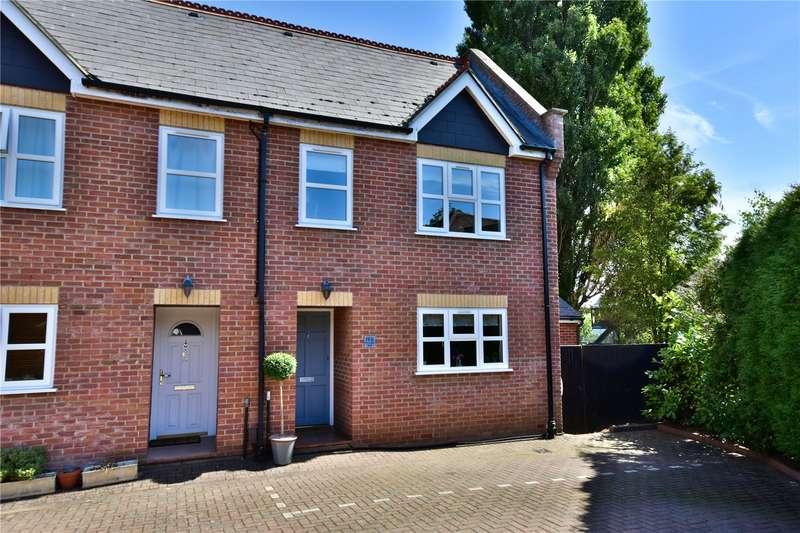 4 Bedrooms Semi Detached House for sale in Heronsgate Road, Chorleywood, Hertfordshire, WD3