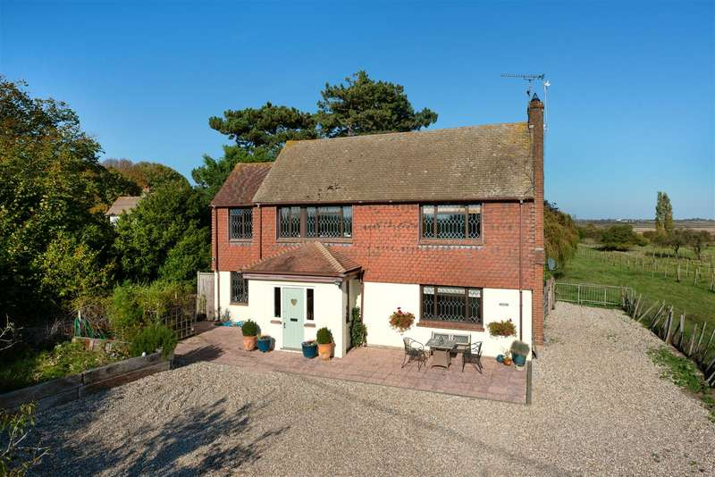 4 Bedrooms Detached House for sale in Uplees Road, Oare, Faversham