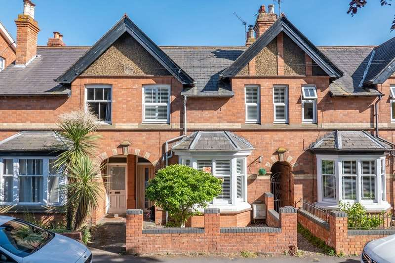 3 Bedrooms Terraced House for sale in Evesham Street, Alcester, Warwickshire, B49