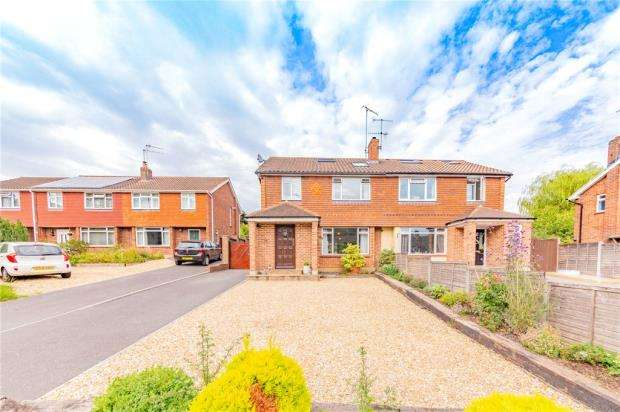 4 Bedrooms Semi Detached House for sale in Rowhill Avenue, Aldershot, Hampshire