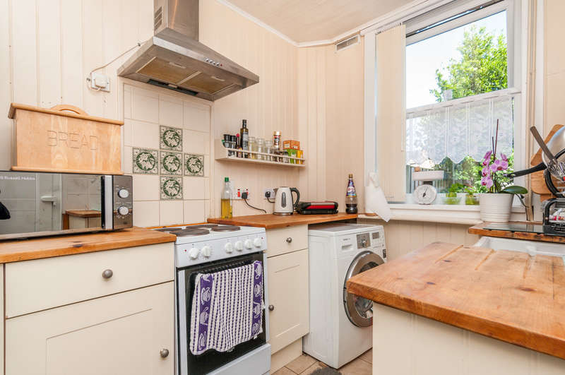 2 Bedrooms Terraced House for sale in Beaconsfield Road, Doncaster