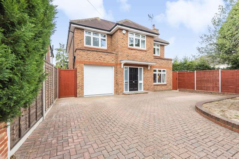 4 Bedrooms Detached House for sale in Simplemarsh Road, Addlestone, KT15