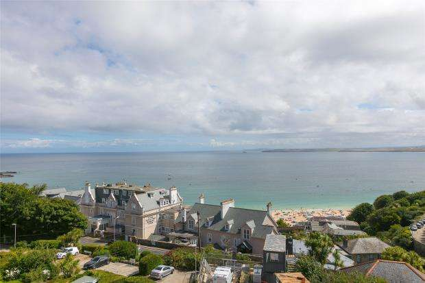 3 Bedrooms Maisonette Flat for sale in Albany Terrace, St. Ives, Cornwall