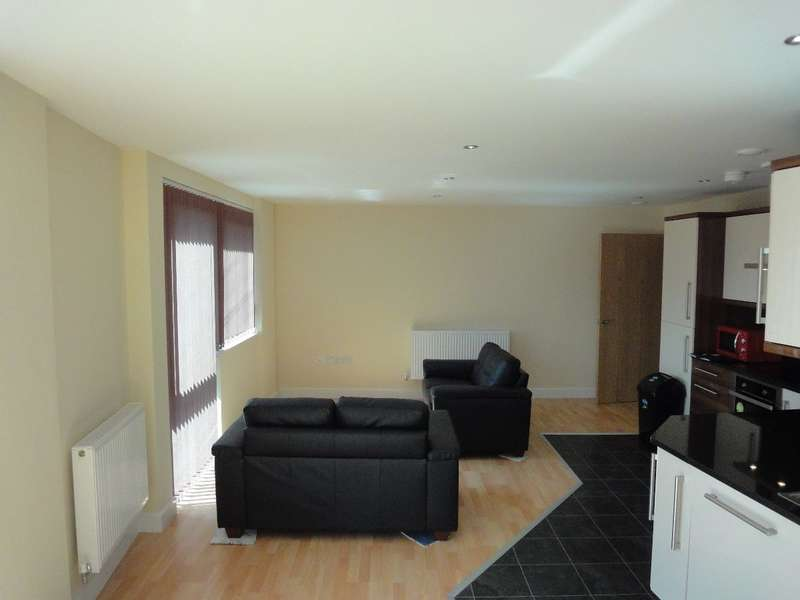 4 Bedrooms Apartment Flat for rent in Apt 4, 112 Ecclesall Road