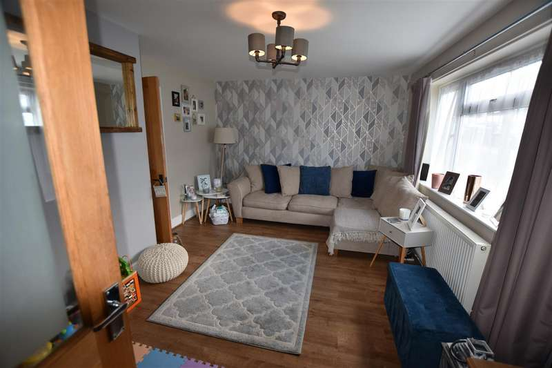 3 Bedrooms Terraced House for sale in Rundells, Harlow