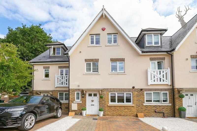 3 Bedrooms Terraced House for sale in Bradfords Close, Buckhurst Hill
