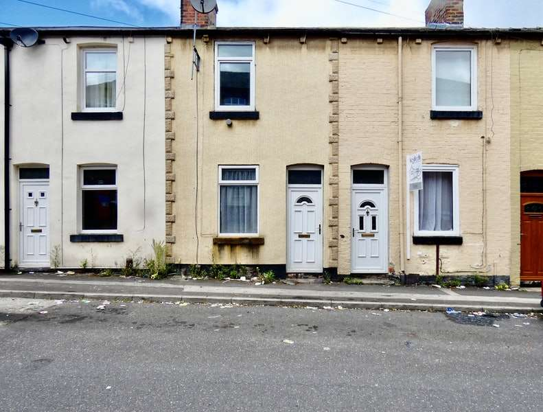 2 Bedrooms Terraced House for sale in Crookes Street, Barnsley, South Yorkshire, S70