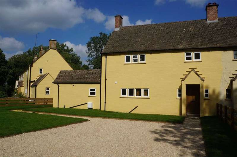3 Bedrooms Semi Detached House for sale in Little Barrow Cottage, Nr Moreton-in-Marsh, Gloucestershire