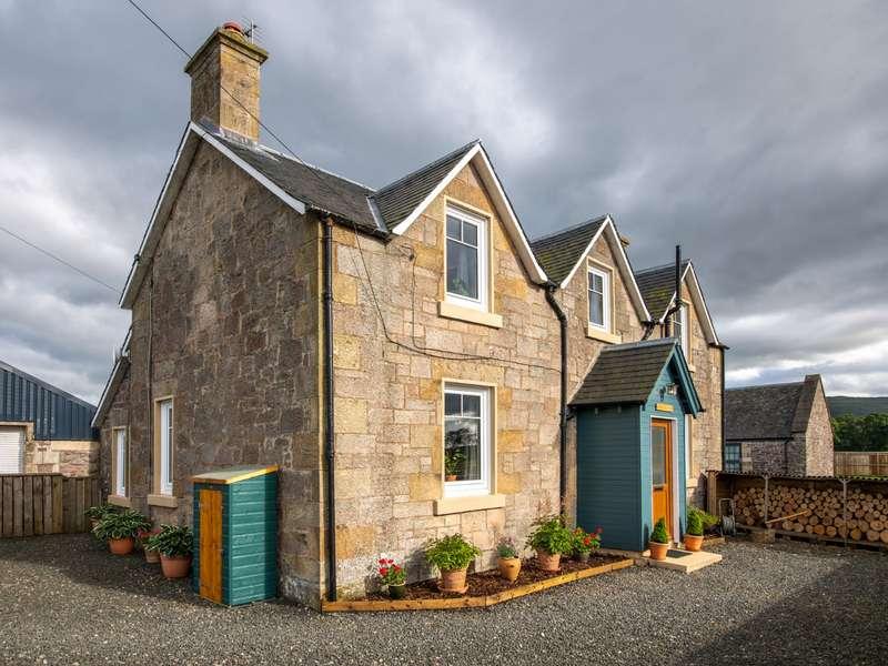 3 Bedrooms Detached House for sale in Kirk Lane, Stirling, FK9