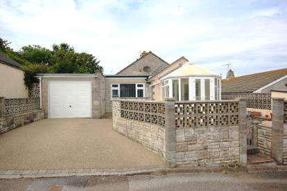 2 Bedrooms Bungalow for sale in Southwell, Portland, Dorset